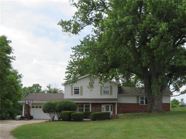 24670 Fairmount Road, Mclouth, KS 66054 (#2228307) :: House of Couse Group