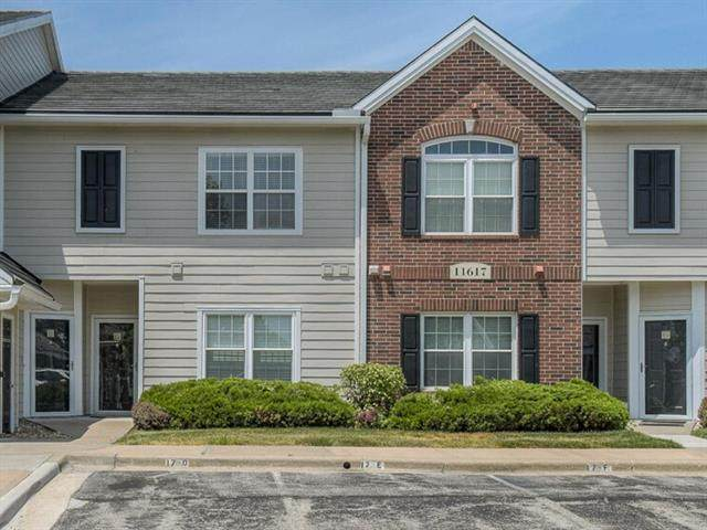 11617 Tomahawk Creek Parkway E, Leawood, KS 66211 (#2228374) :: Team Real Estate