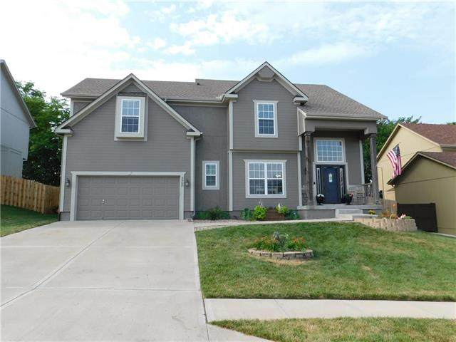 3962 NW 97th Street, Kansas City, MO 64154 (#2228423) :: House of Couse Group