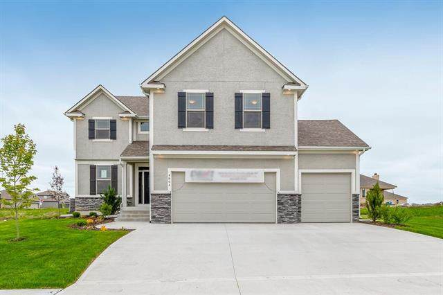 204 SW Davenport Drive, Blue Springs, MO 64014 (#2228441) :: Five-Star Homes
