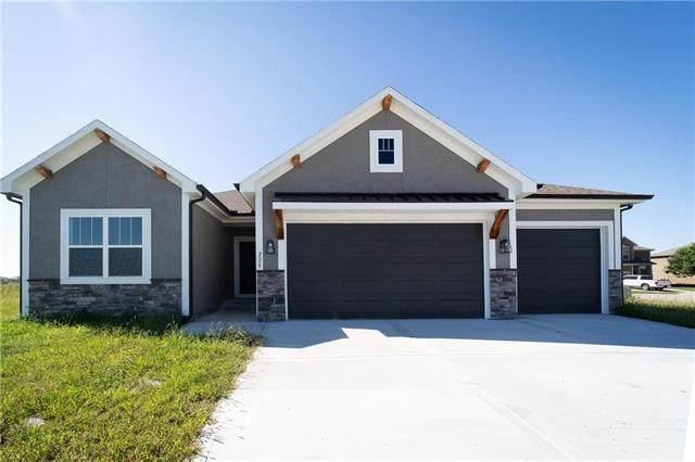 228 SW Davenport Drive, Blue Springs, MO 64014 (#2228642) :: Dani Beyer Real Estate