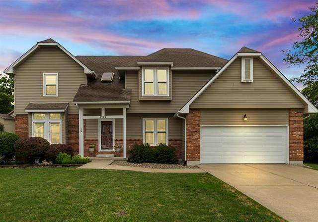 1712 NE Baron Drive, Lee's Summit, MO 64086 (#2228921) :: Eric Craig Real Estate Team