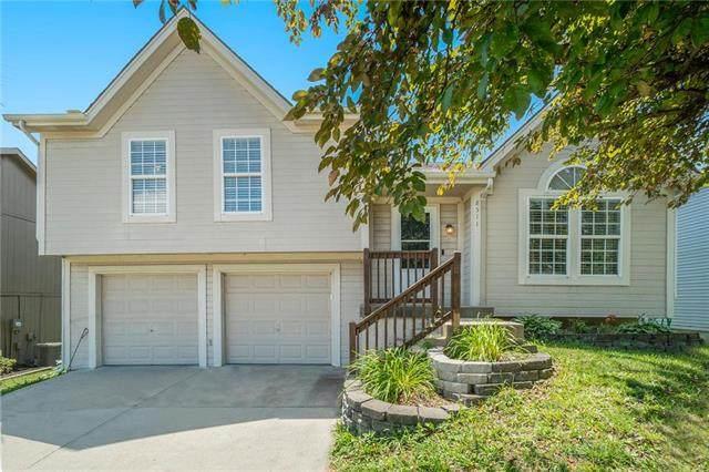 8511 NE 105th Terrace, Kansas City, MO 64157 (#2229097) :: House of Couse Group