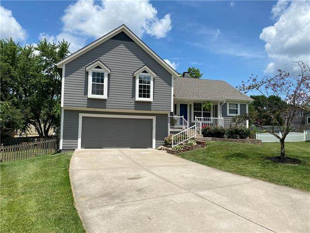 504 SW Bonanza Drive, Lee's Summit, MO 64081 (#2229367) :: House of Couse Group