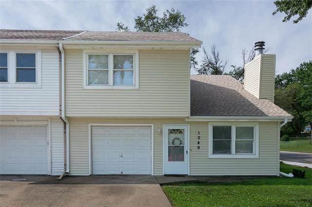 1049 E Huntington Circle, Olathe, KS 66061 (#2230342) :: Ron Henderson & Associates