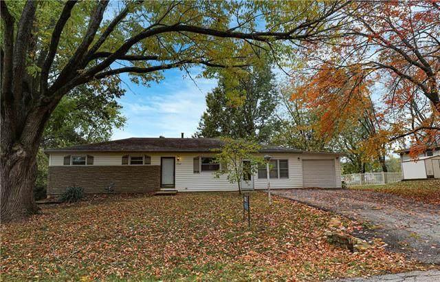 1702 S Harding Street, Oak Grove, MO 64075 (#2230565) :: Edie Waters Network
