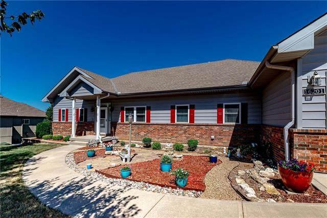 16201 Kentucky View Drive, Belton, MO 64012 (#2230660) :: Geraldo Pazar