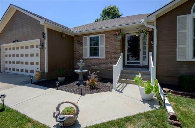 1810 Ashley Drive, Independence, MO 64058 (#2230937) :: Jessup Homes Real Estate | RE/MAX Infinity