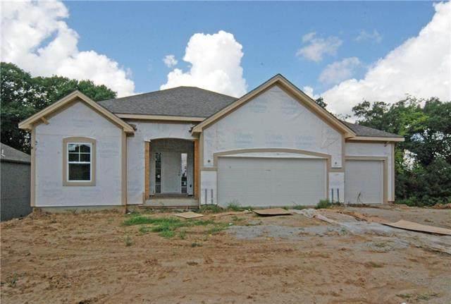 1820 N 92nd Terrace, Kansas City, KS 66112 (#2231316) :: Dani Beyer Real Estate