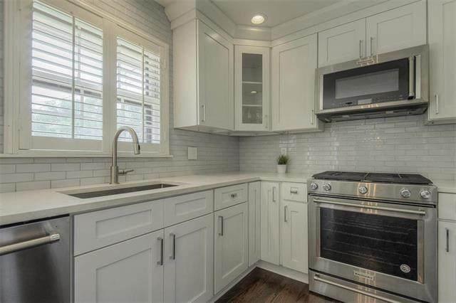 6657 Dearborn Drive, Mission, KS 66202 (#2231677) :: Team Real Estate