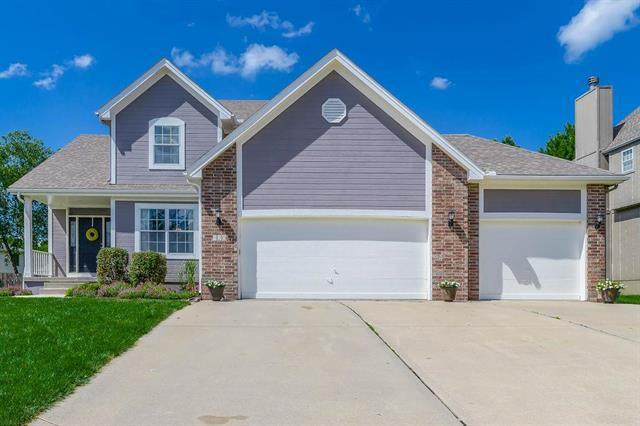 920 SE 12th Street, Lee's Summit, MO 64081 (#2232650) :: Ask Cathy Marketing Group, LLC