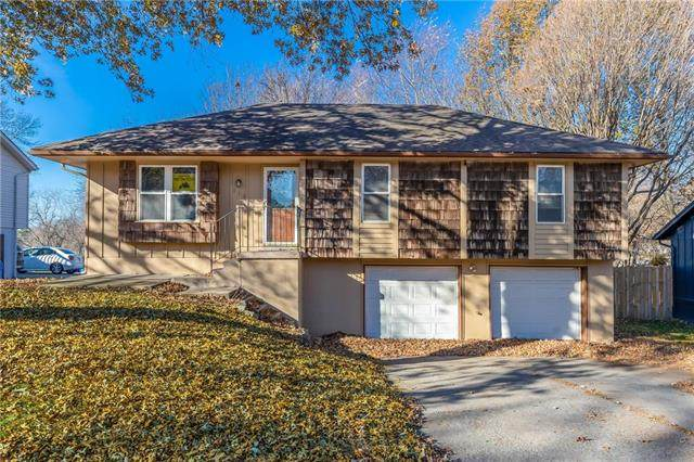 313 SE Sunnyside School Road, Blue Springs, MO 64014 (#2232891) :: Eric Craig Real Estate Team