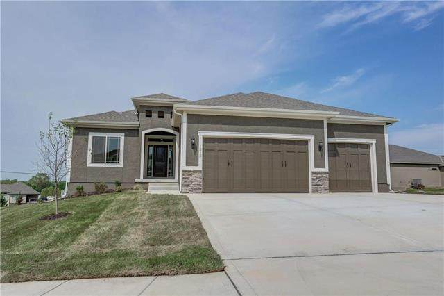 13306 W 182nd Terrace, Overland Park, KS 66013 (#2234124) :: Dani Beyer Real Estate
