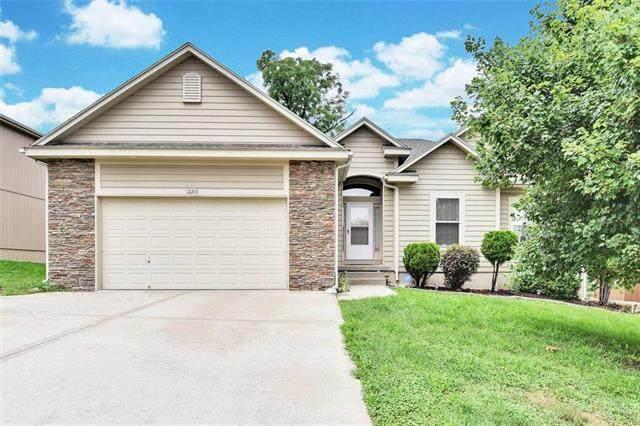 12210 Ewing Avenue, Grandview, MO 64030 (#2234215) :: Five-Star Homes