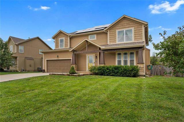 10204 Theden Circle, Lenexa, KS 66220 (#2234874) :: Ron Henderson & Associates