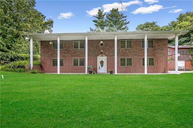 8749 Highway O N/A, Orrick, MO 64077 (#2235084) :: House of Couse Group