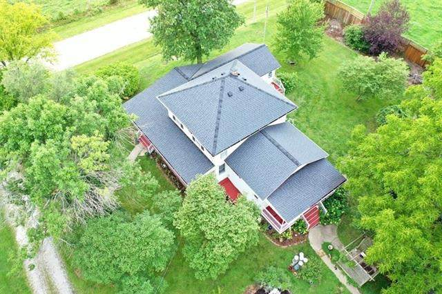 35231 Metcalf Road, Louisburg, KS 66053 (#2235898) :: The Gunselman Team