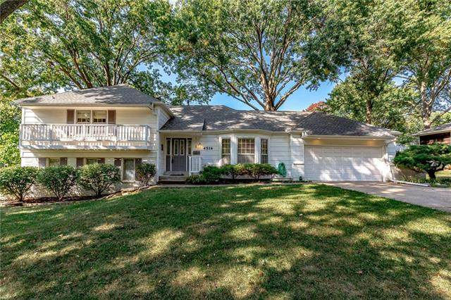 4516 W 97th Street, Overland Park, KS 66207 (#2236065) :: The Gunselman Team