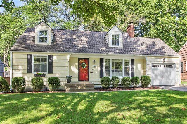7326 Rosewood Drive, Prairie Village, KS 66208 (#2236103) :: House of Couse Group
