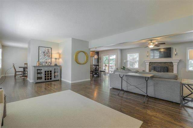 4110 W 99TH Street, Overland Park, KS 66207 (#2236291) :: Jessup Homes Real Estate | RE/MAX Infinity