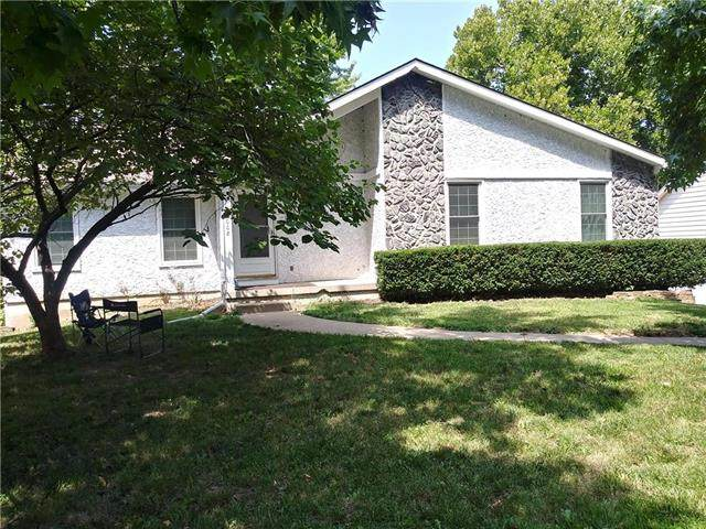 2008 N Lazy Branch Road, Independence, MO 64058 (#2238471) :: The Gunselman Team