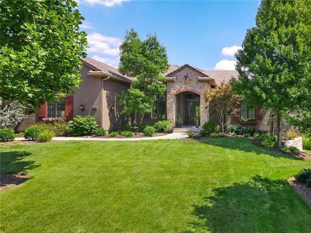8304 Maplewood Lane, Lenexa, KS 66215 (#2238699) :: Jessup Homes Real Estate | RE/MAX Infinity