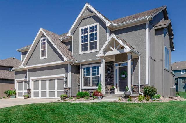 8128 NW 90th Street, Kansas City, MO 64153 (#2238795) :: Jessup Homes Real Estate   RE/MAX Infinity