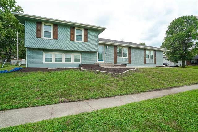 7400 E 117th Terrace, Kansas City, MO 64134 (#2239003) :: Five-Star Homes