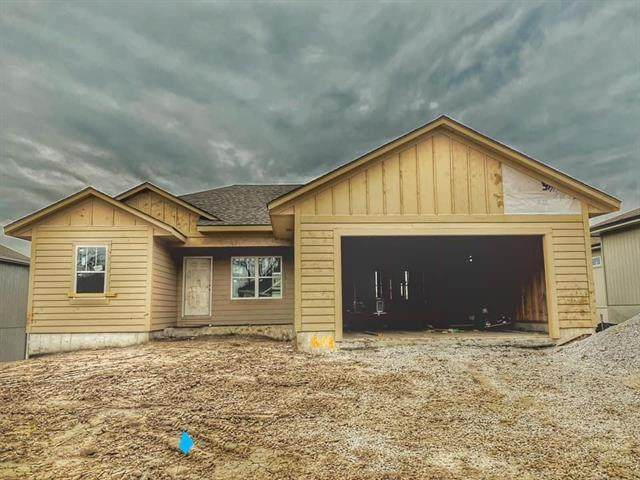 1608 NE Andeon Street, Grain Valley, MO 64029 (#2239193) :: Edie Waters Network