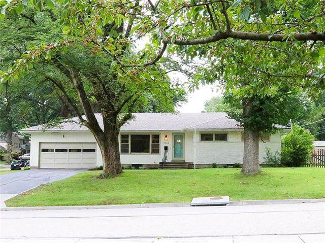 7749 Fontana Street, Prairie Village, KS 66208 (#2239565) :: Jessup Homes Real Estate | RE/MAX Infinity