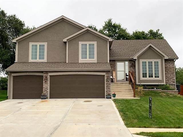 9009 N Norton Avenue, Kansas City, MO 64156 (#2240314) :: Jessup Homes Real Estate | RE/MAX Infinity