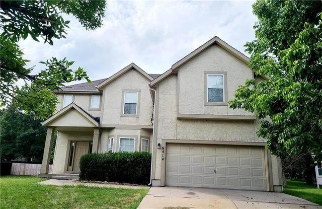9414 Swarner Drive, Lenexa, KS 66215 (#2240632) :: Jessup Homes Real Estate   RE/MAX Infinity