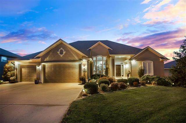 4424 NE Shadow Valley Circle, Lee's Summit, MO 64064 (#2240692) :: Jessup Homes Real Estate | RE/MAX Infinity