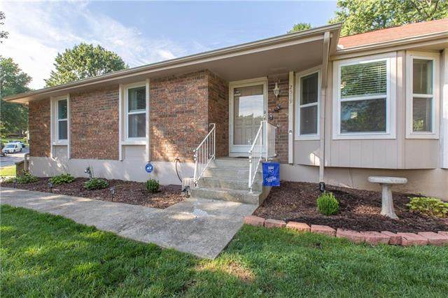 2519 NW Meadowview Circle, Blue Springs, MO 64014 (#2241135) :: The Kedish Group at Keller Williams Realty