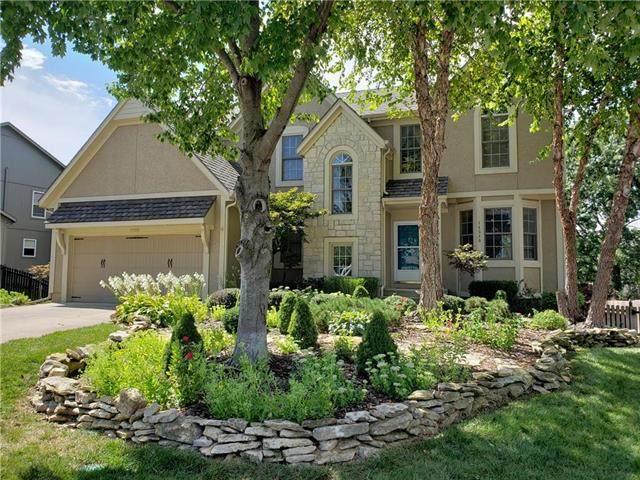 14580 S Greenwood Street, Olathe, KS 66062 (#2241208) :: Ron Henderson & Associates