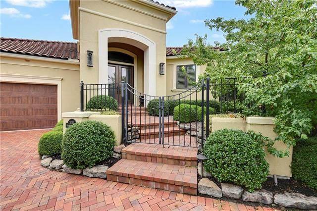 3152 W 138th Terrace, Leawood, KS 66224 (#2241911) :: Ron Henderson & Associates