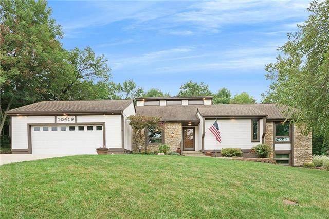 15419 Overbrook Lane, Overland Park, KS 66224 (#2242121) :: Jessup Homes Real Estate | RE/MAX Infinity