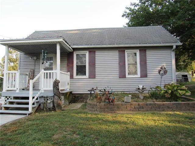 1305 W William Street, Savannah, MO 64485 (#2242422) :: Edie Waters Network
