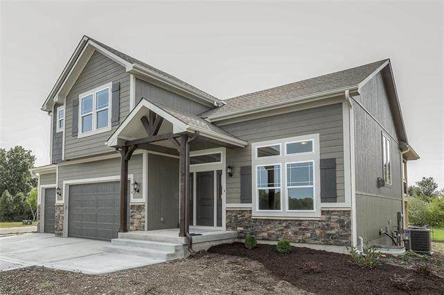 816 S Sunset Lane, Raymore, MO 64083 (#2242696) :: Jessup Homes Real Estate | RE/MAX Infinity