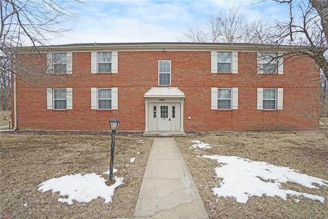 8624 Countryshire Lane, Kansas City, MO 64138 (#2243214) :: Team Real Estate