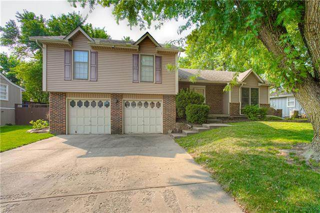 14517 W 60th Place, Shawnee, KS 66216 (#2243728) :: House of Couse Group