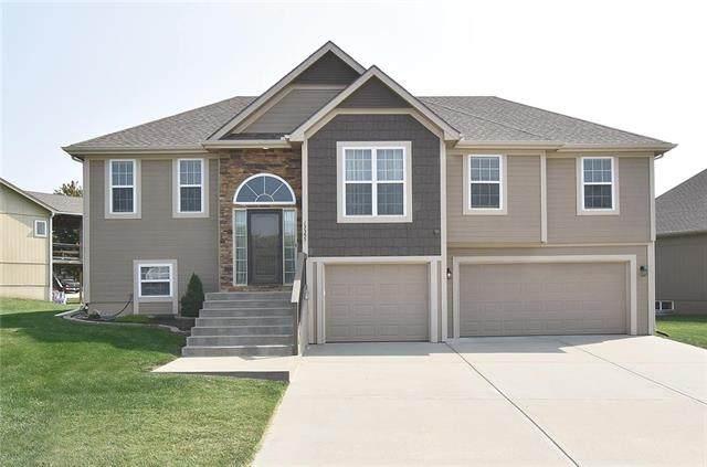 13355 Ridgeview Drive, Platte City, MO 64079 (#2244052) :: Ron Henderson & Associates