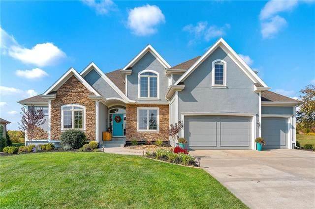 9116 N Oxford Avenue, Kansas City, MO 64157 (#2244943) :: Dani Beyer Real Estate