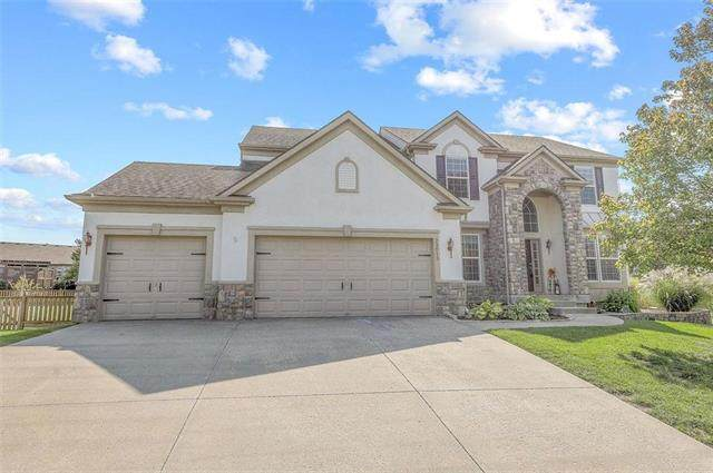 23613 W 93rd Terrace, Lenexa, KS 66227 (#2244994) :: Five-Star Homes