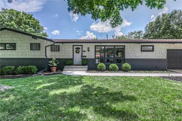 3807 W 84th Terrace, Prairie Village, KS 66206 (#2245002) :: The Gunselman Team