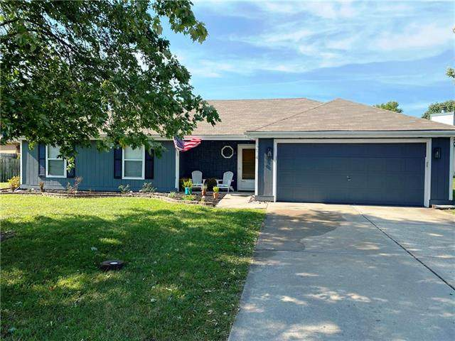 214 Pebblebrook Lane, Grain Valley, MO 64029 (#2245015) :: Ron Henderson & Associates