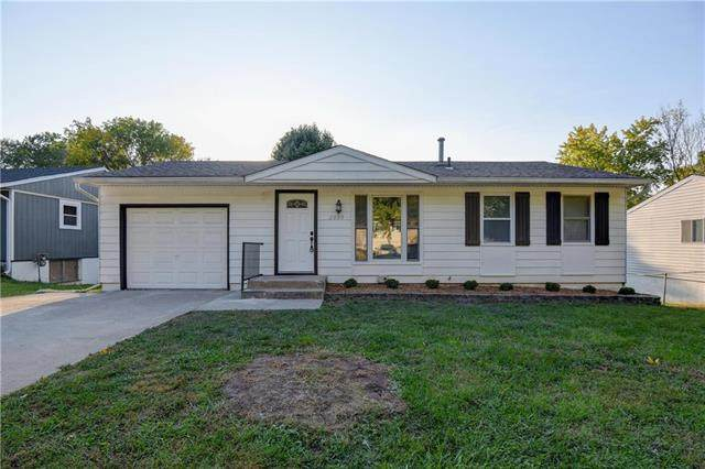2000 Belmont Boulevard, Independence, MO 64057 (#2245095) :: Team Real Estate