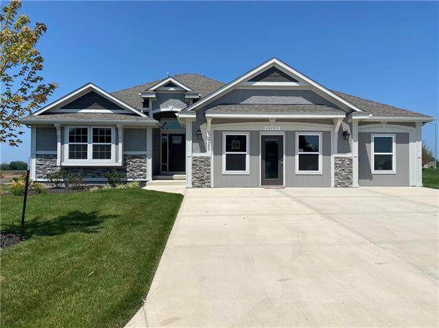1350 N 160th Terrace, Basehor, KS 66007 (#2245201) :: Tradition Home Group | Compass Realty Group
