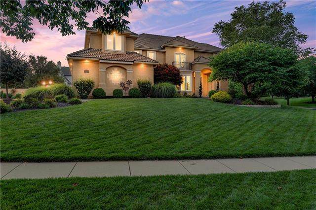 15050 Cedar Street, Leawood, KS 66224 (#2245472) :: House of Couse Group