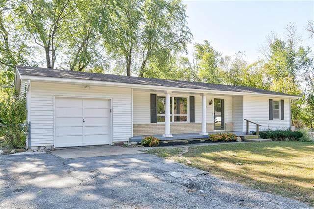 301 SE 20th Street, Oak Grove, MO 64075 (#2246404) :: Ron Henderson & Associates